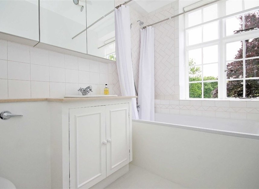 Properties to let in South Edwardes Square - W8 6HN view8