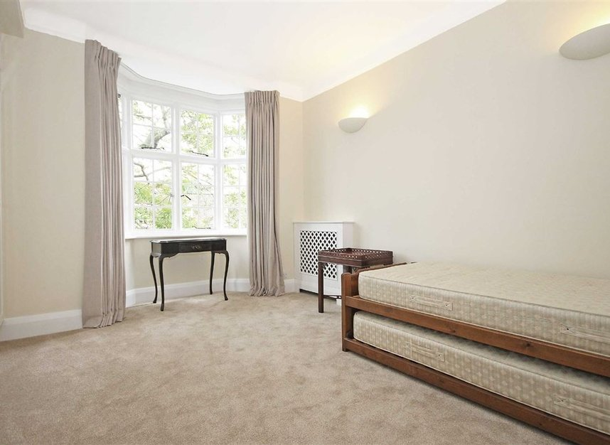 Properties to let in South Edwardes Square - W8 6HN view7