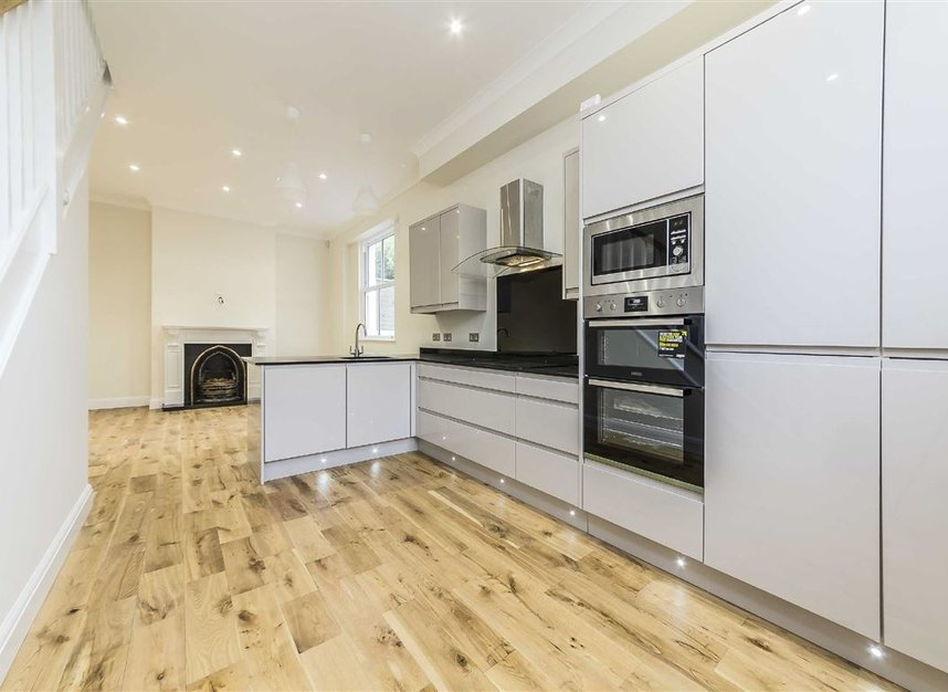 Properties to let in South Park Road - SW19 8RR view2