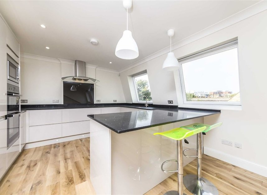 Properties to let in South Park Road - SW19 8RR view4