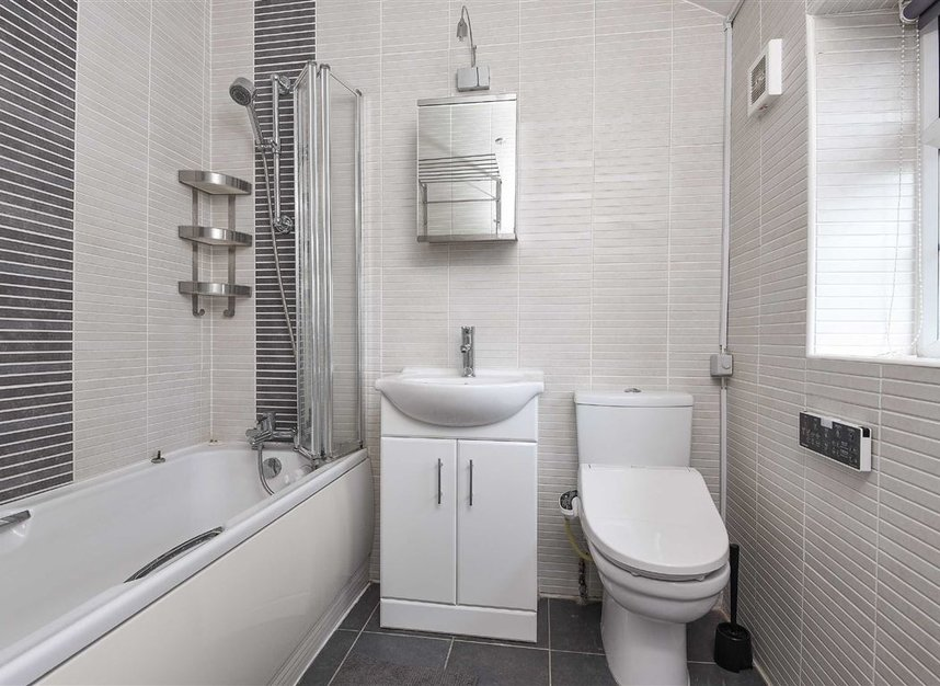 Properties to let in St. Lawrence Street - E14 9QR view7