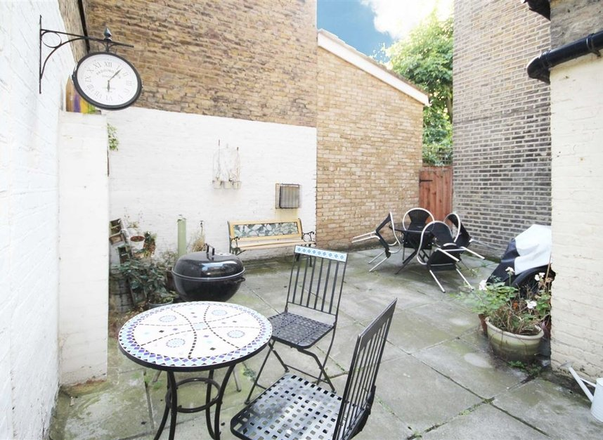Properties to let in St. Margarets Road - TW1 2LJ view4