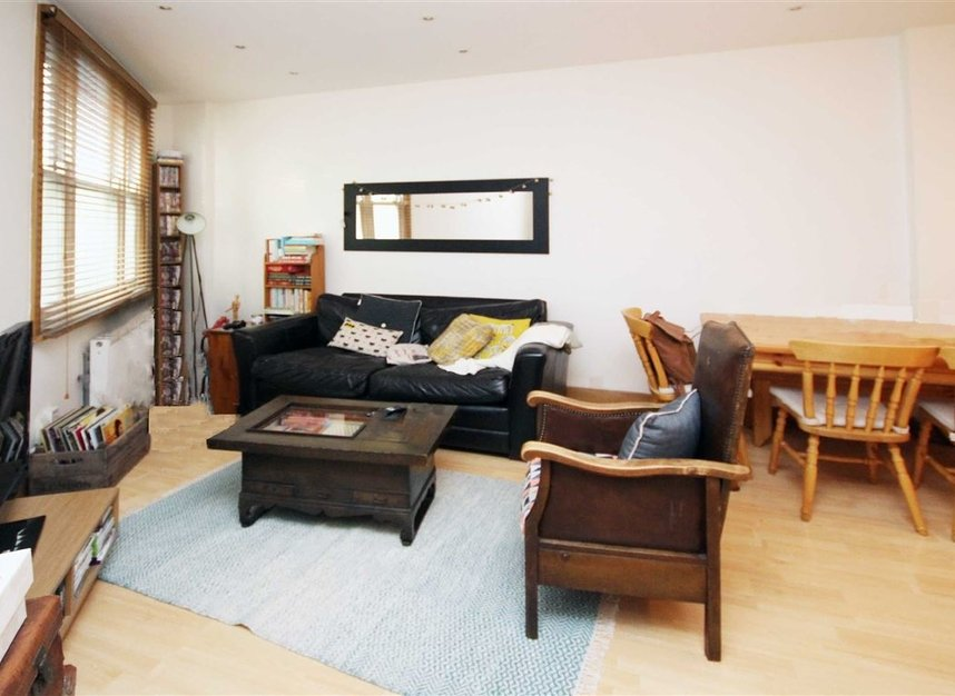 Properties to let in St. Margarets Road - TW1 2LJ view2
