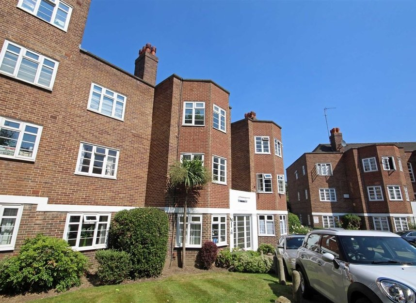Properties to let in St. Marks Hill - KT6 4LP view1