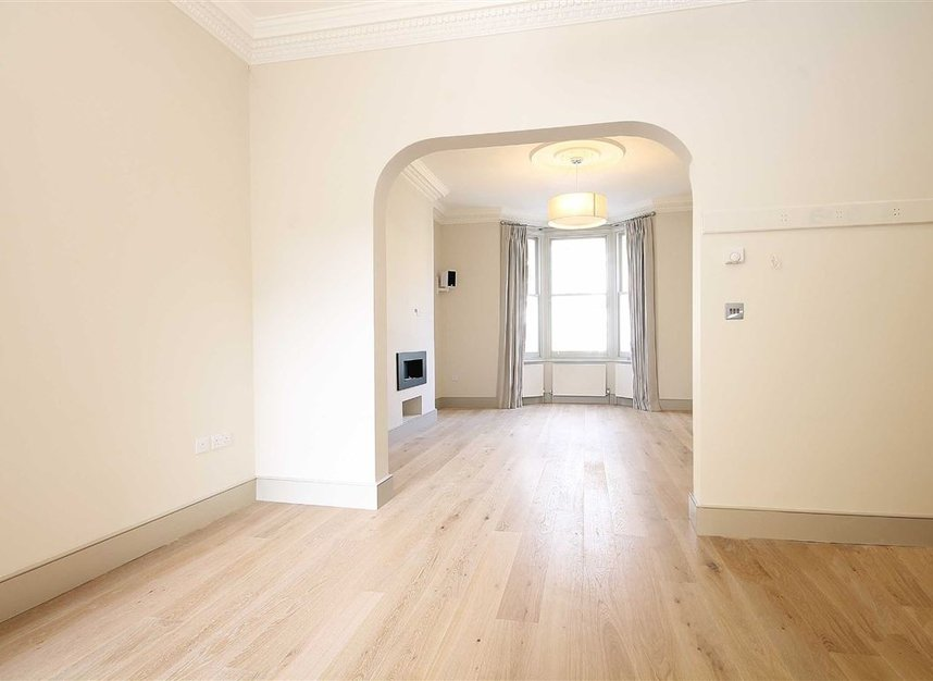 Properties to let in St. Maur Road - SW6 4DR view2
