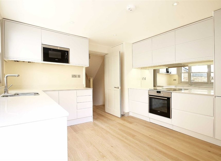 Properties to let in St. Maur Road - SW6 4DR view1
