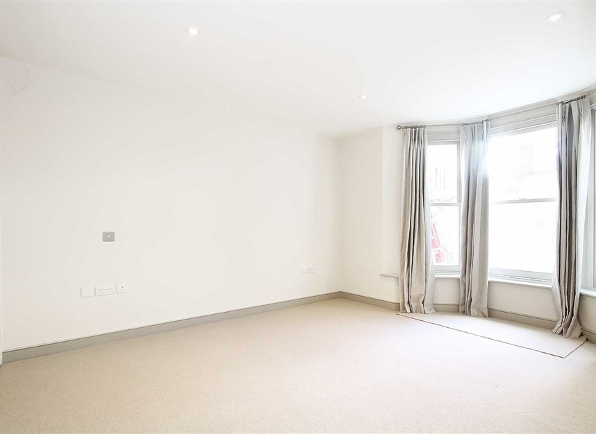 Properties to let in St. Maur Road - SW6 4DR view6
