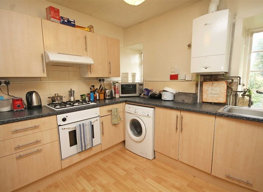 Properties to let in Surbiton Crescent - KT1 2LN view3