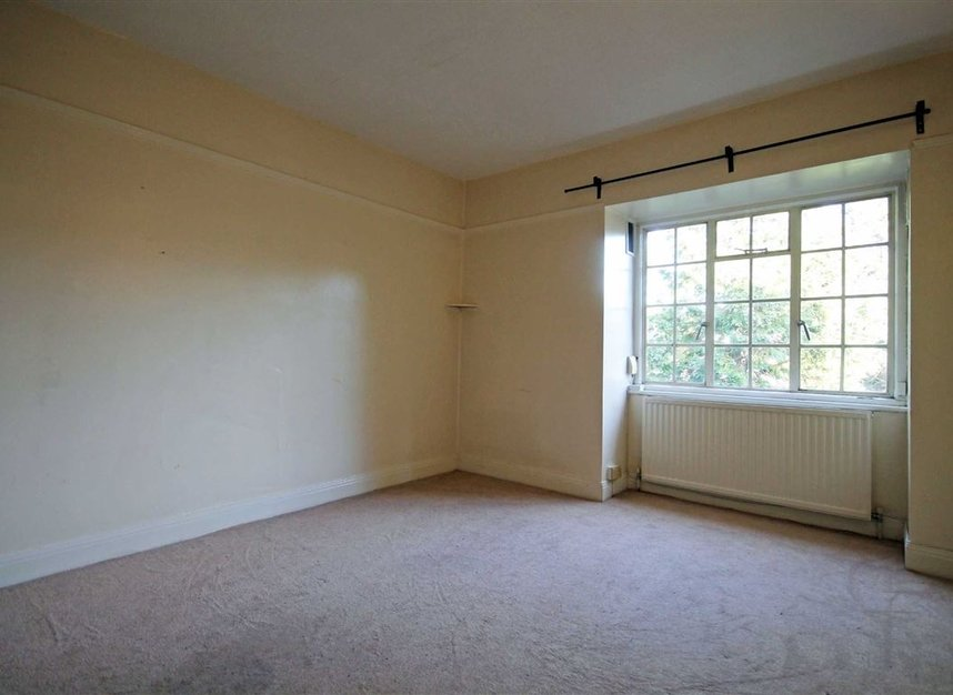 Properties to let in Surbiton Crescent - KT1 2LN view5