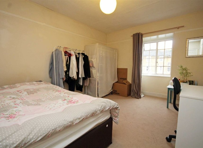 Properties to let in Surbiton Crescent - KT1 2LN view4
