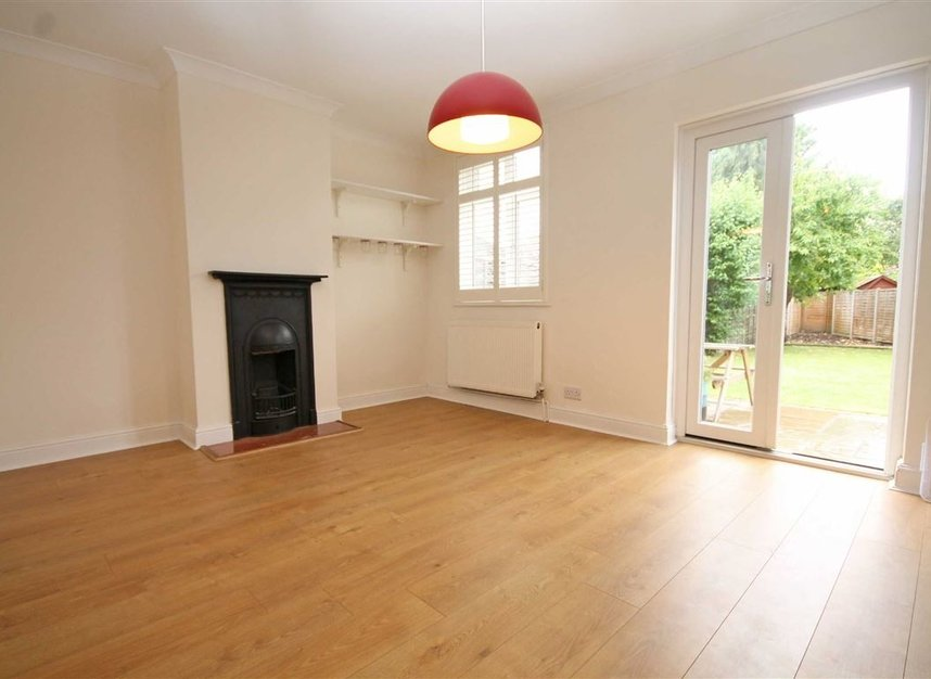Properties to let in Thornhill Road - KT6 7TH view2