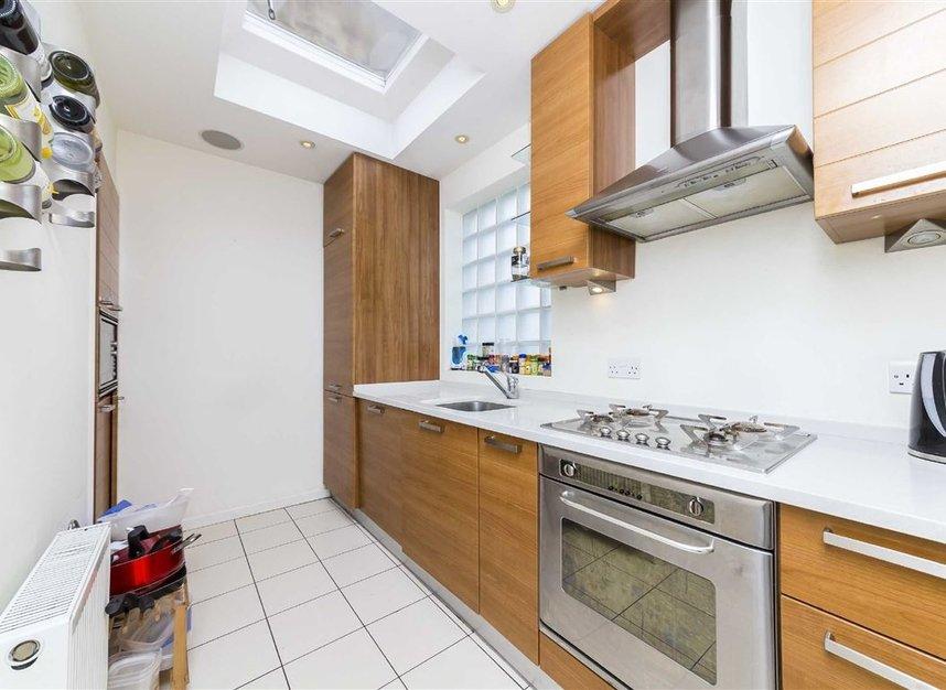Properties to let in Tregothnan Road - SW9 9JX view2