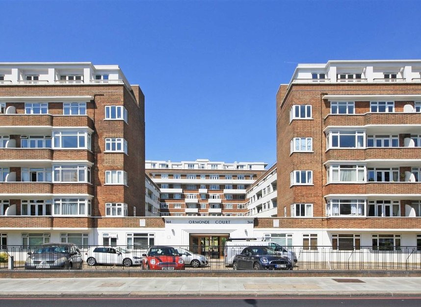 Upper Richmond Road, London, SW15