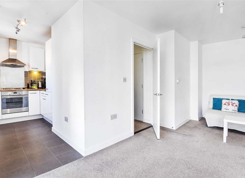 Properties to let in Violet Road - E3 3FW view3