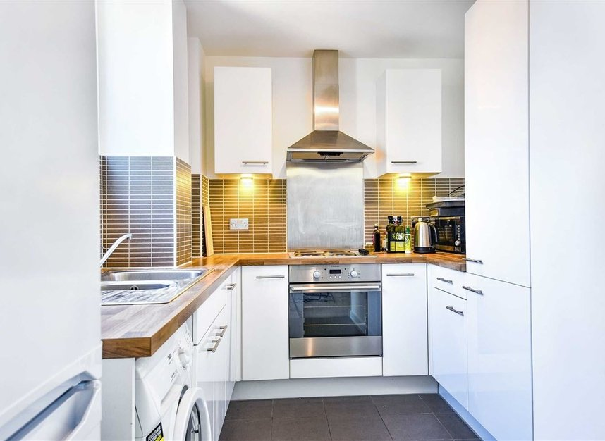 Properties to let in Violet Road - E3 3FW view4