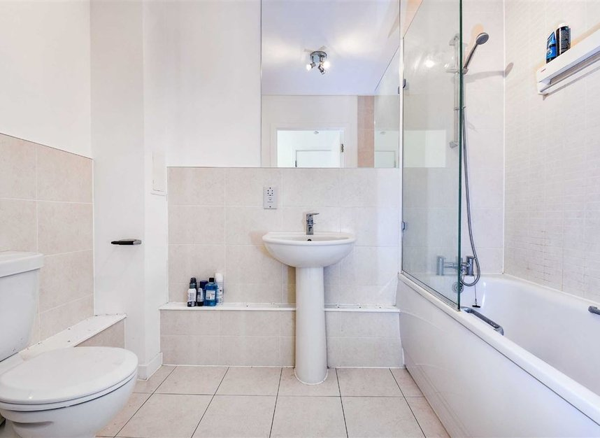 Properties to let in Violet Road - E3 3FW view6