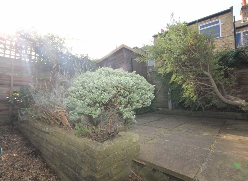 Properties to let in Warwick Road - TW2 6SW view3