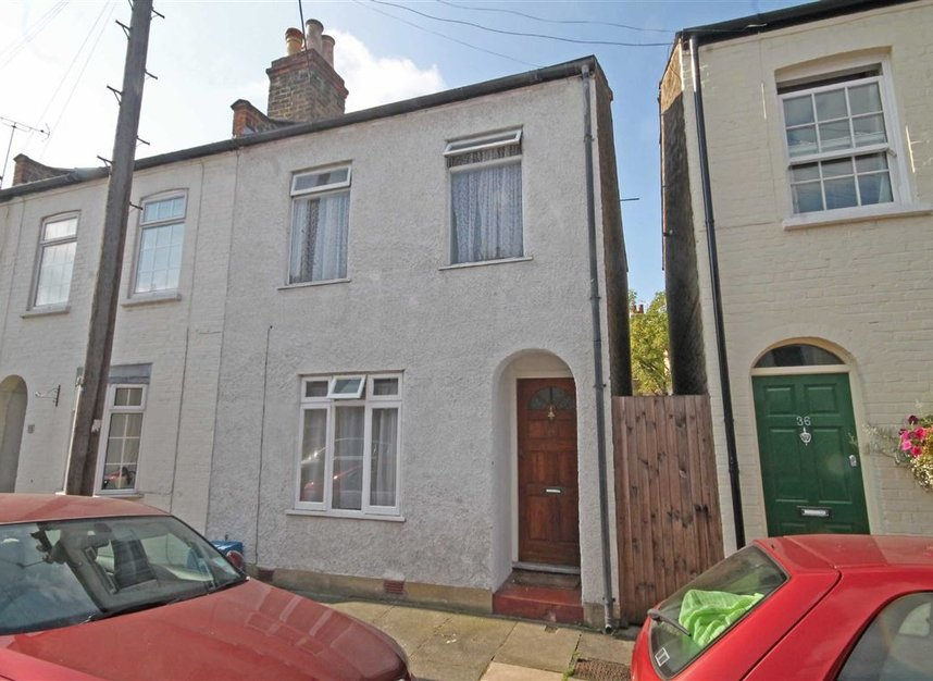 Properties to let in Warwick Road - TW2 6SW view1