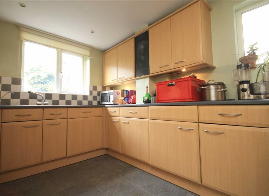 Properties to let in Warwick Road - TW2 6SW view2