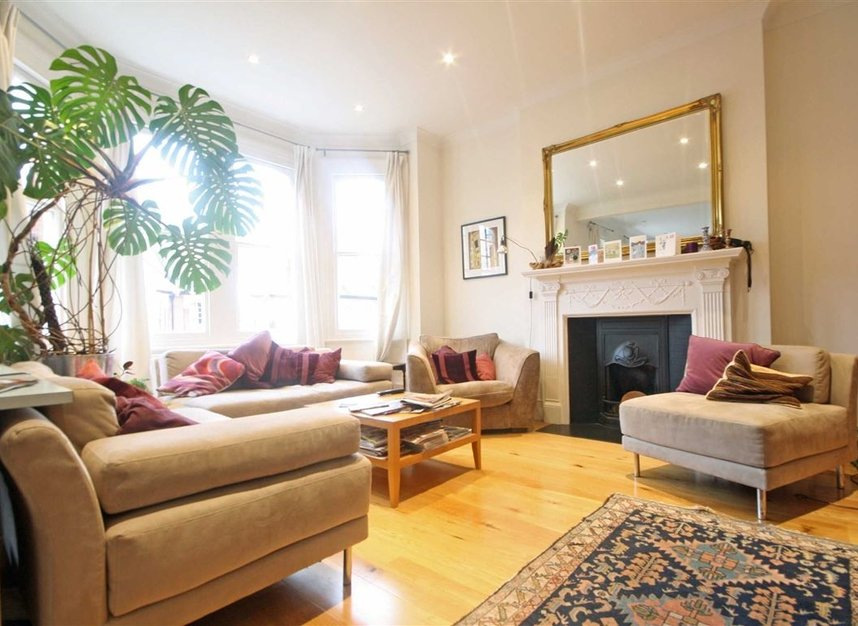 Properties to let in Woodgrange Avenue - W5 3NY view2